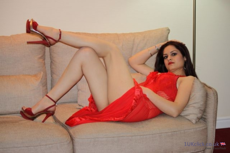 Full Service Alessya East Ham in /out Call -  24 /